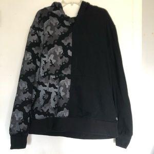 TACKMA Hoodie Mens XL Sweatshirt Black Camo euc